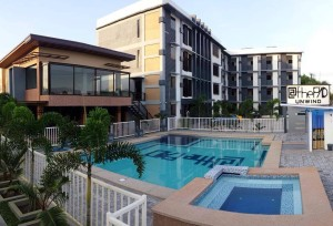 Angeles-City-Clarkview-Subdivision-Atthepad-Hotel-swimming-pool