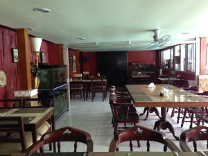 Angeles-City-Fields-Avenue-Emerigo-Hotel-restaurant