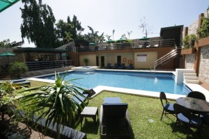 Angeles-City-Fields-Avenue-Queens-Hotel-Balcony-swimming-pool-area