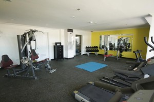 Angeles-City-Fields-Avenue-Queens-Hotel-gymn-area