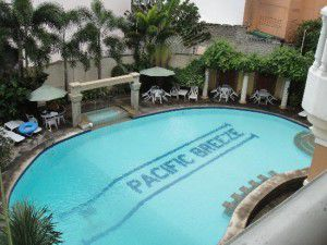 Angeles-City-Fields-Avenue-Walking-Street-Pacific-Breeze-Hotel-pool