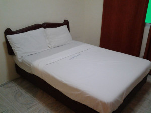 Angeles-City-Fields-Avenue-Zenfields-Hotel-standard-room