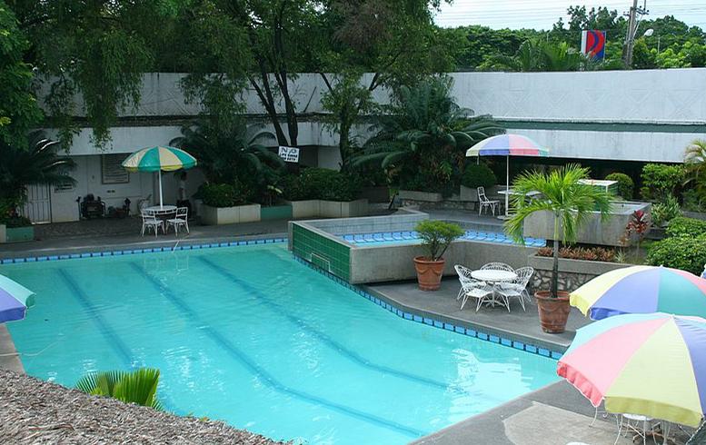 Angeles City Perimeter Road Fields Avenue Don Juico Avenue Premier Holiday Resort Swimming Pool